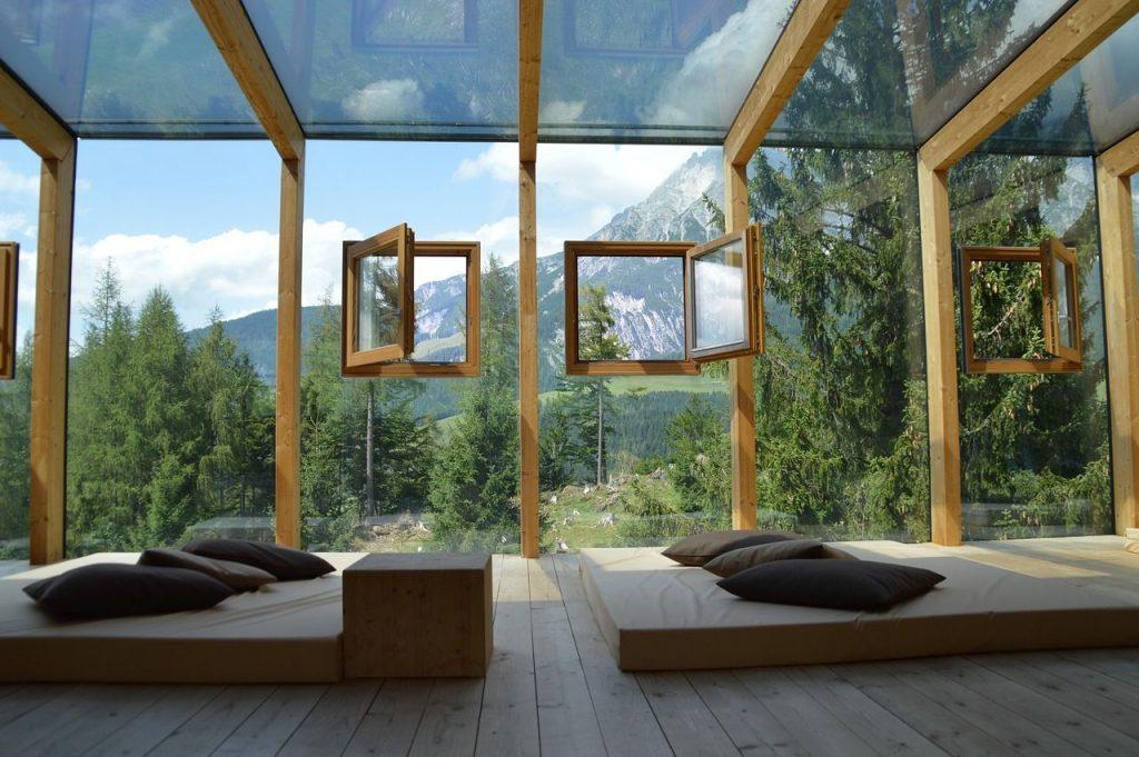 cornice finestra legno